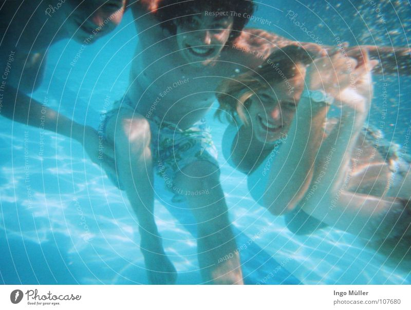 Woman Water Blue Summer Joy Underwater photo Hair and hairstyles Air Friendship Mouth Leisure and hobbies Nose Swimming & Bathing Multiple Swimming pool