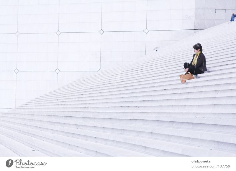 Woman White Calm Lamp Bright Large Tall Sit Stairs Modern Paris Square France Black & white photo La Défense