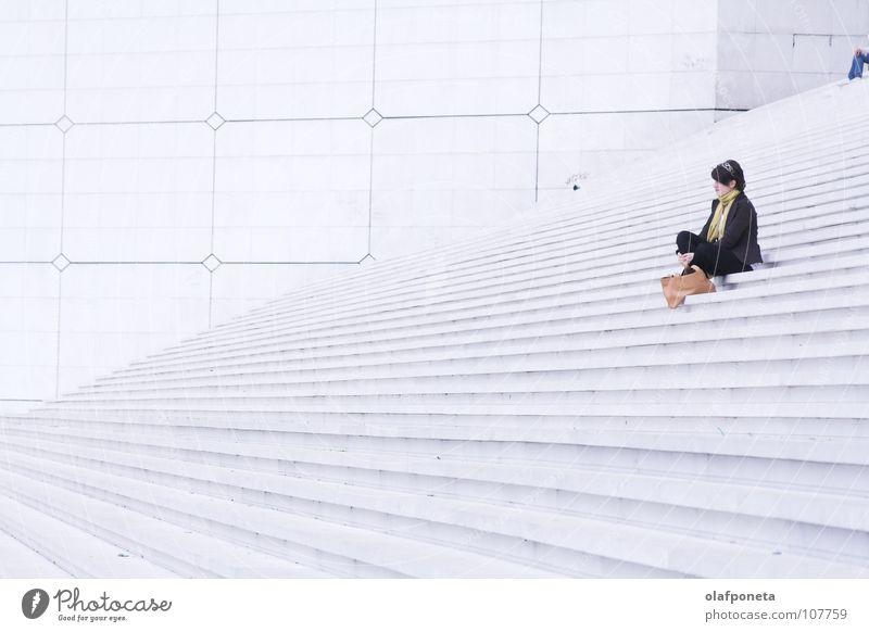 Woman White Calm Lamp Bright Large Tall Sit Stairs Modern Paris Square France Black & white photo La Défense