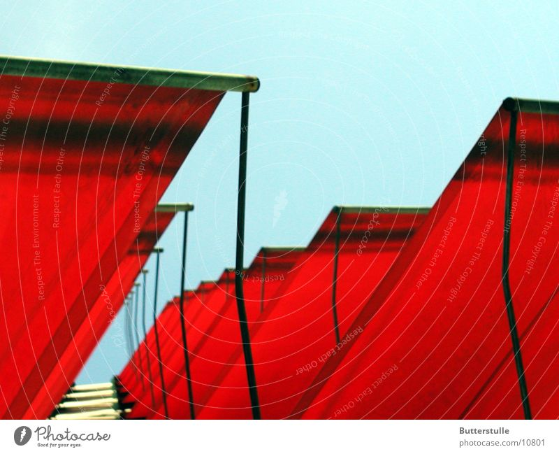 Awning3 Sun blind House (Residential Structure) Facade Red Light Obscure Weather protection Perspective Colour Architecture
