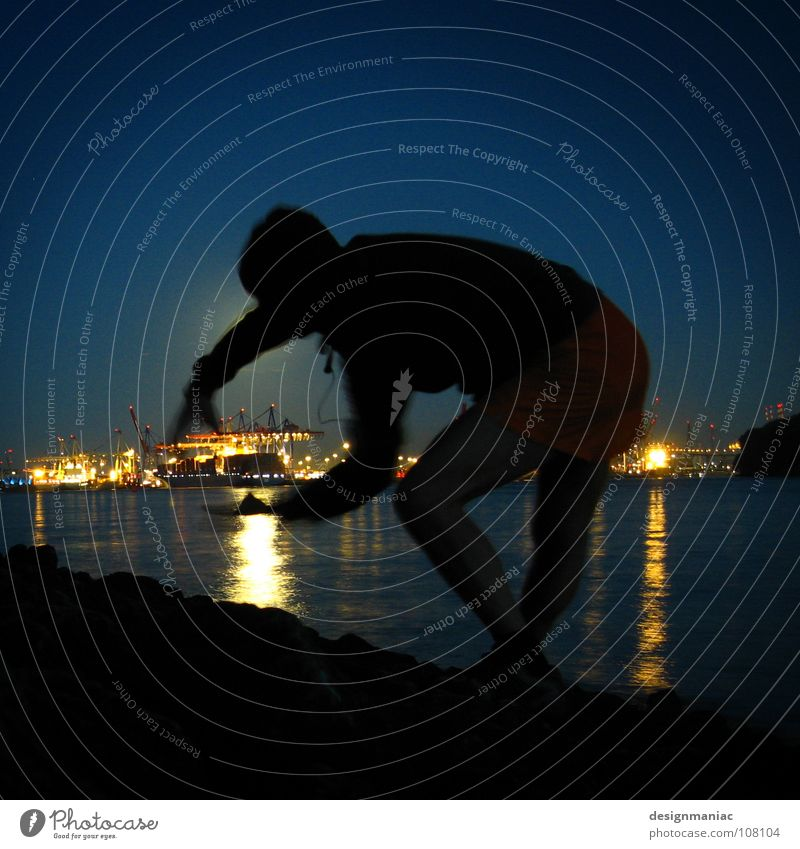 Monsterman attacks Hamburg Habor Night Man Watercraft Lamp Dark Godzilla Catch Large Small Silhouette Blue Black Hooded (clothing) Starlit Industry Harbour Fear