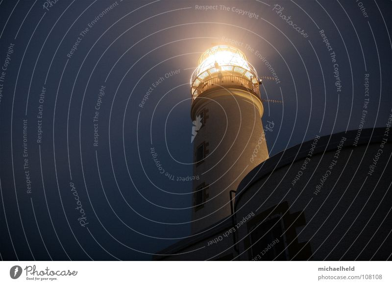 light guide Lighthouse Scotland Night Dark Safety Radiation House (Residential Structure) Historic Antenna Highlands Hostel Accommodation Backpack Loneliness