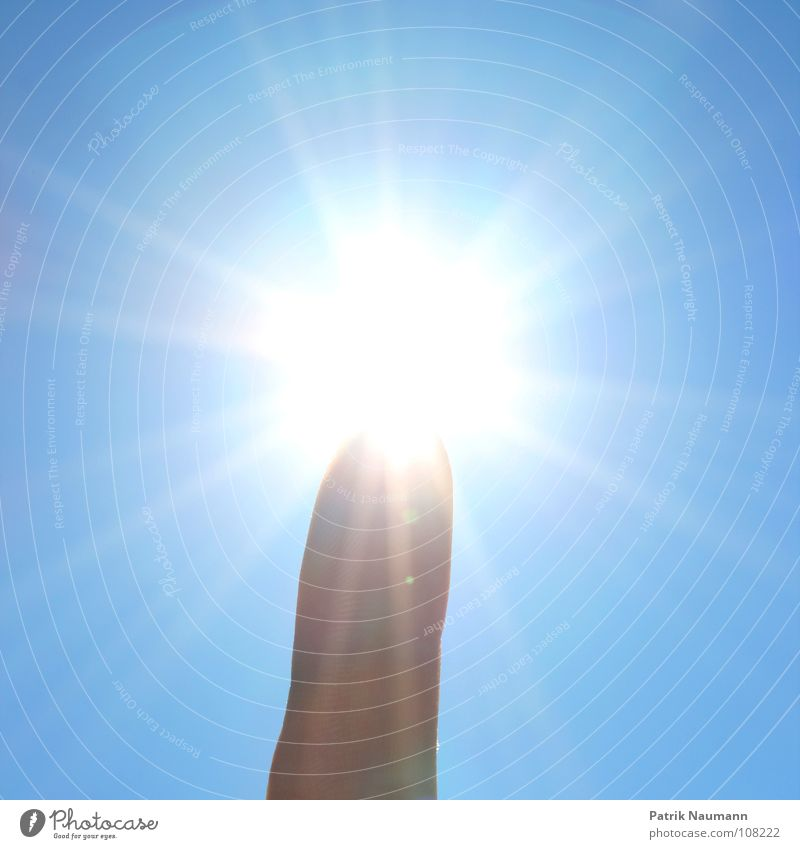 Hand Sun Blue Summer Playing Lighting Stars Glittering Fingers Star (Symbol) Against Illusion