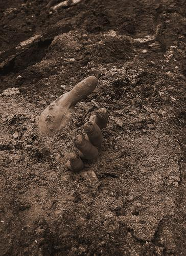 Lost and forgotten Hand Fingers 5 Macabre Disgust Trash Forget Miss Doomed Death Colorless Grief Offense Criminality Laws and Regulations Kill Destroy Decay