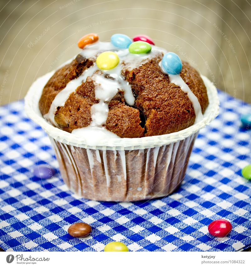 chocolate muffin Muffin Cake Baked goods Chocolate Chocolate buttons Chocolate cake Bakery Cupcake Dish Eating Food photograph Nutrition Near Close-up