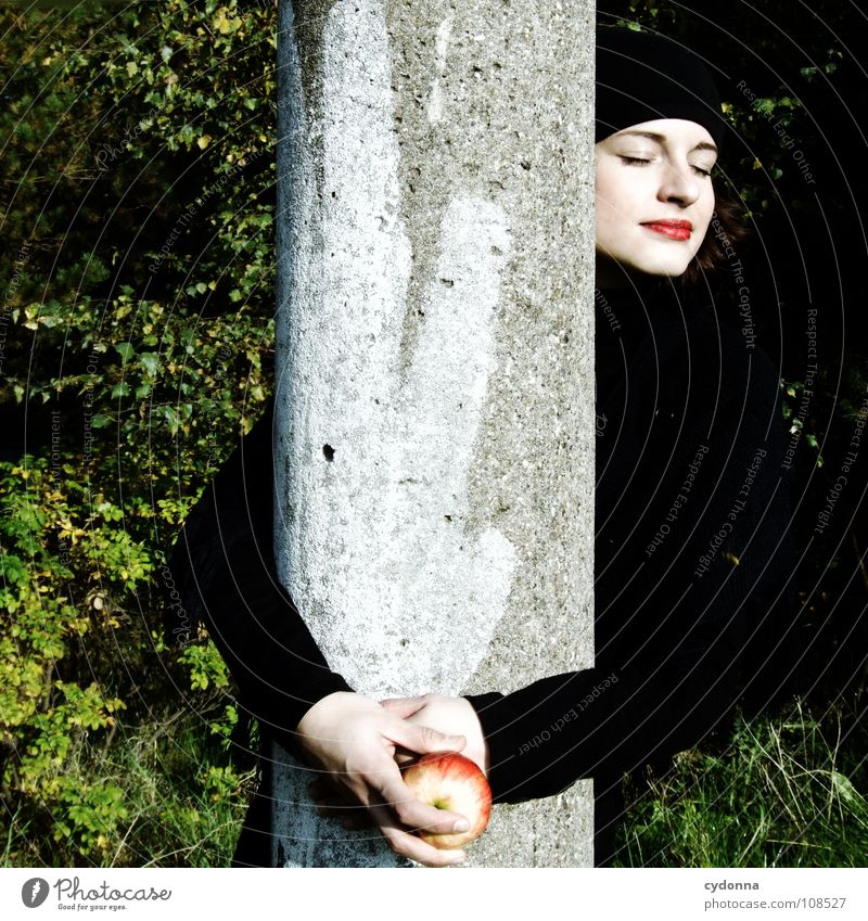 All about Eve II Autumn Seasons Woman Industrial site Beautiful Portrait photograph Discover Nutrition Symbols and metaphors Attempt Mysterious Beret Cap Black
