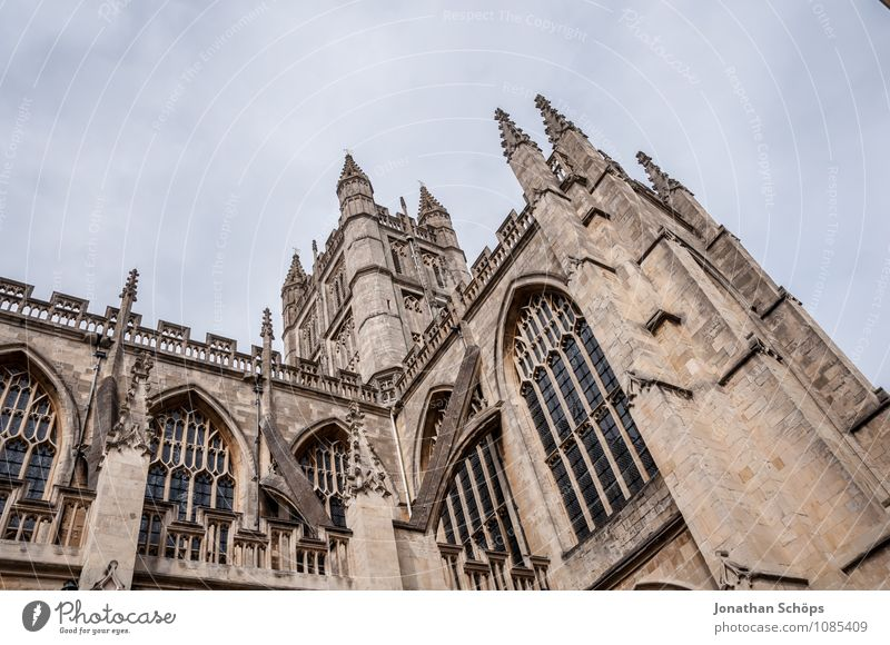 Bath Abbey I bath Town Old town Religion and faith Church Dome Tower Manmade structures Building Architecture Facade Tourist Attraction Landmark Esthetic Upward