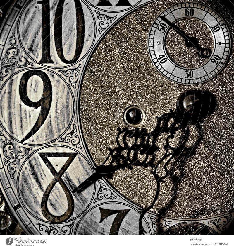 Old Metal Time Glittering Wait Clock Characters Round Transience Digits and numbers Sign Clock face Luxury Ancient Haste Watch mechanism