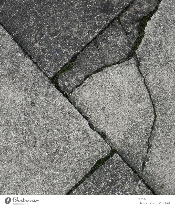 Gray Concrete Corner Broken Floor covering Sidewalk Traffic infrastructure Crack & Rip & Tear Column Puzzle Paving tiles Picture-in-picture