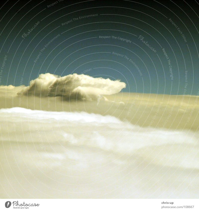 Sky Nature Blue White Vacation & Travel Ocean Clouds Relaxation Window Air Horizon Waves Airplane window Aviation Level