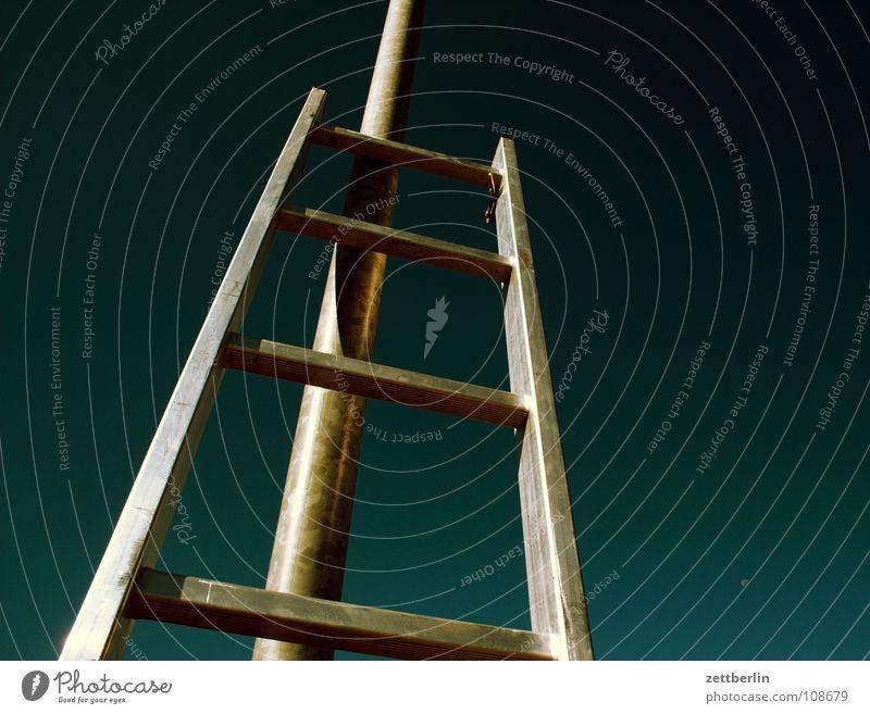 Work and employment Tall Safety Climbing Living or residing Craft (trade) Sudden fall Ladder Career Go up Household Crash Aluminium Steep Insurance