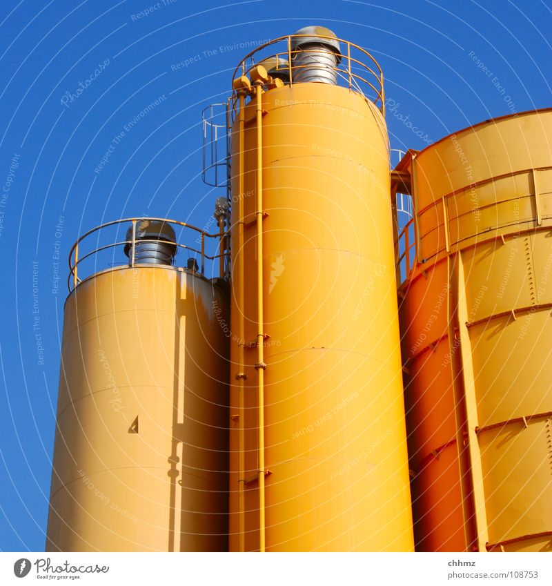 trio Silo Containers and vessels Large Small Production Transmission lines Grading 3 Industry Keep Storage Chemistry Chemical elements Arrangement Sky Orange