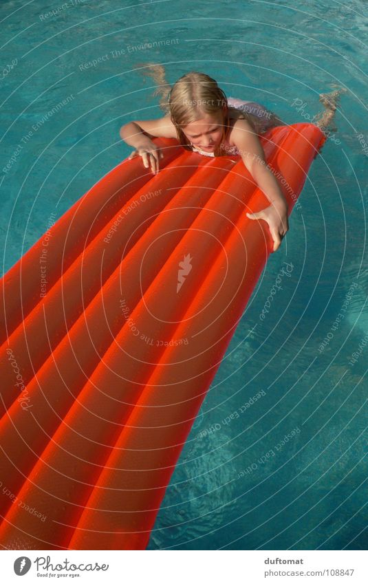 Child Water Girl Blue Summer Joy Cold Orange Wet Swimming pool Climbing Dive Blade of grass Rescue Go under