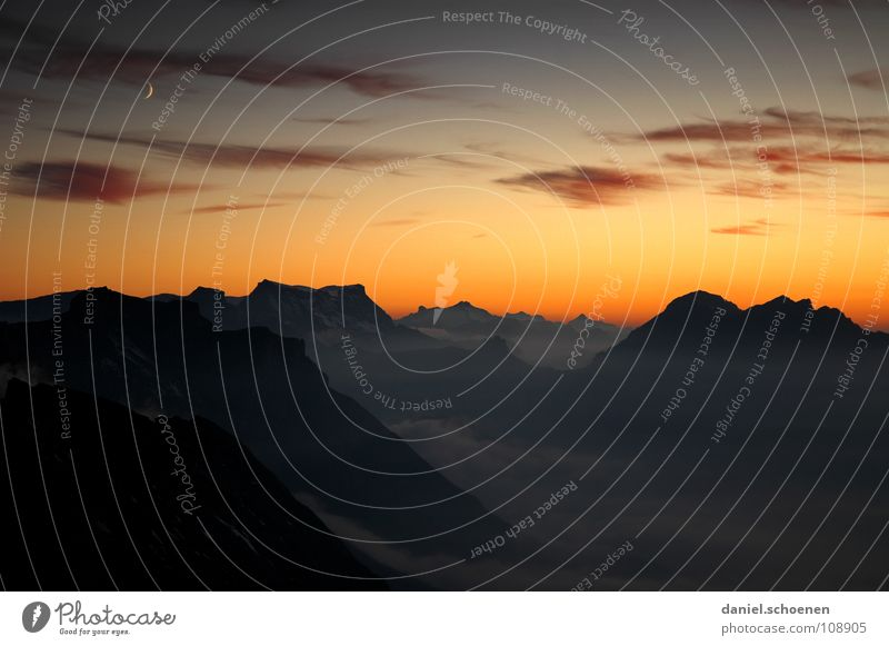 crescent Sunset Cirrus Climate change Switzerland Bernese Oberland Hiking Mountaineering Leisure and hobbies Endurance White Clouds High mountain region Clean