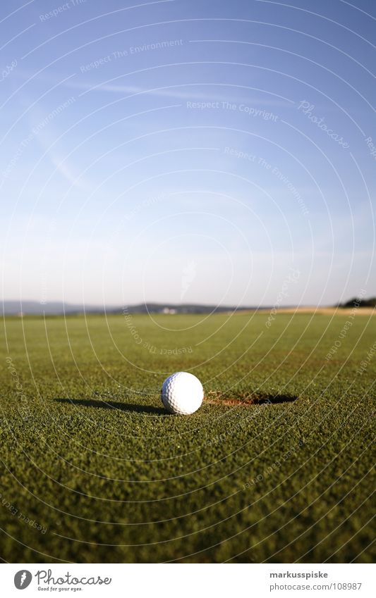 hole punching Field Golf ball Golf course Grass Green Sky Sunrise Tee off Ball sports Ace pitch Lawn Sports Tea Arrest Hollow PAR range Fairy green fee major