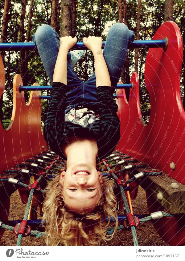 Human being Child Joy Girl Emotions Feminine Sports Playing Happy Laughter Moody Leisure and hobbies Illuminate Infancy Happiness Smiling