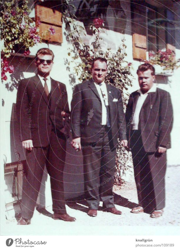 The handsome one is my dad. Man Suit 3 House (Residential Structure) Sixties Sunglasses Summer Black & white photo dressed up Cool (slang)