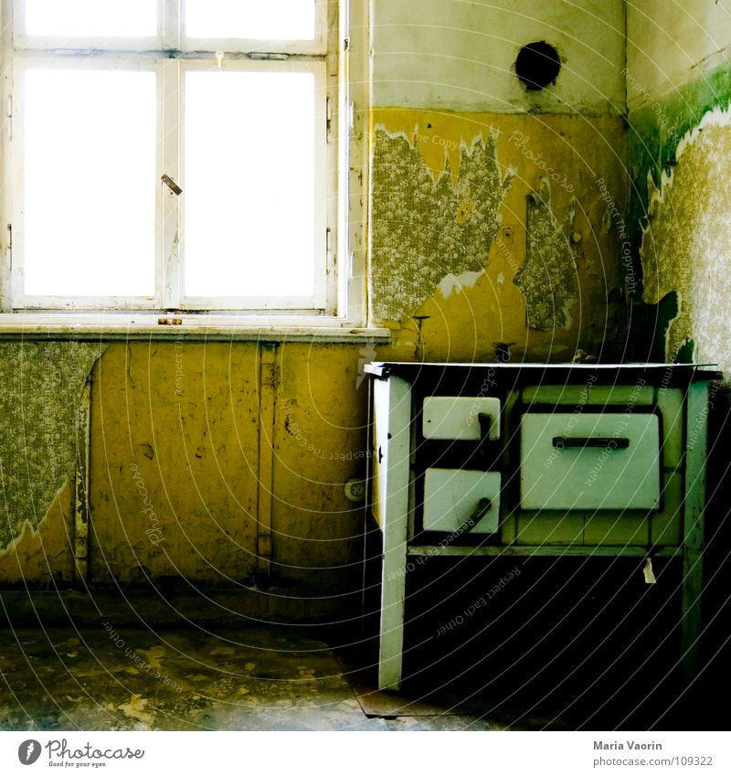 Old Window Dirty Broken Gloomy Transience Cooking & Baking Kitchen Gastronomy Wallpaper Rust Stove & Oven Untidy Second-hand Old fashioned