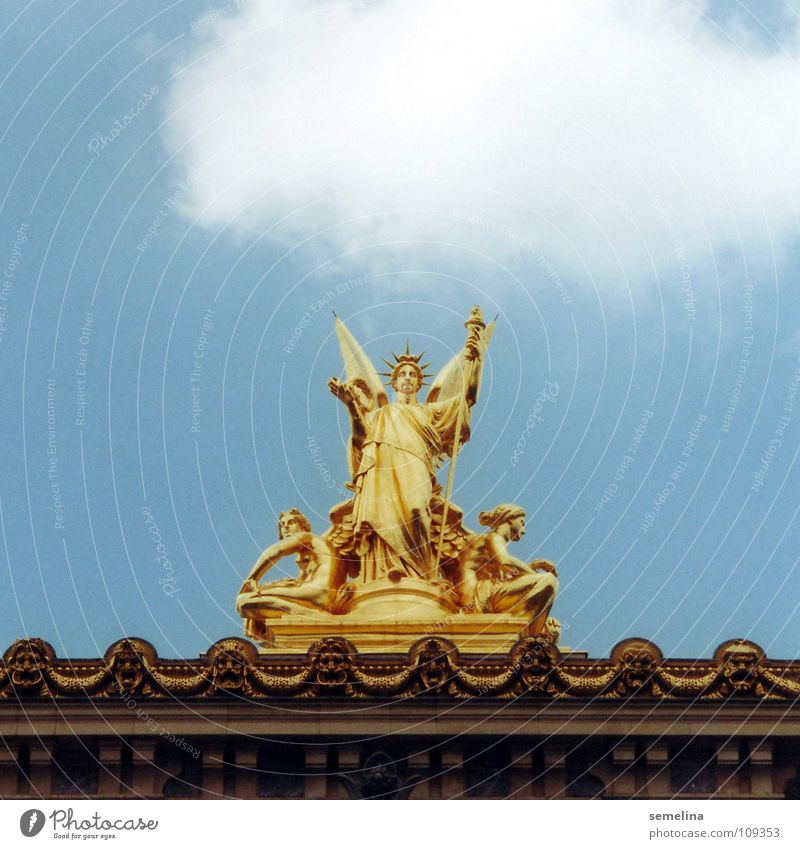Parisian Opernangel Statue Roof Clouds Art Precious Sublime Under Luxury Platform Detail Arts and crafts  Culture Gold Angel Opera Sky Downward Decoration Rod