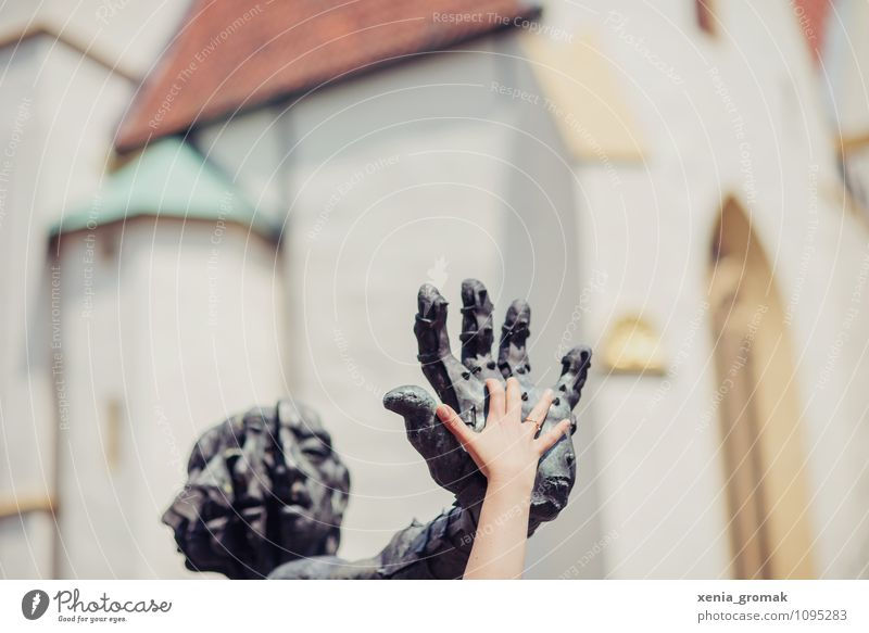 hands Leisure and hobbies Playing Vacation & Travel Tourism Trip Adventure Far-off places Freedom Hand Art Sculpture Architecture Downtown