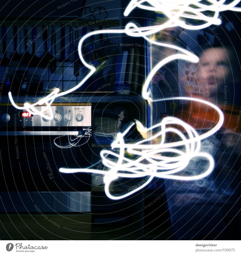 Picasso at 18:23 Lamp Light Tracer path Stripe Line Movement Art Painting and drawing (object) Air Dark Acrobat Child Long exposure Tracks Artist Light art