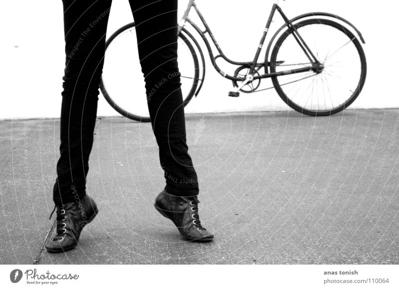 Woman Human being Youth (Young adults) Old White Black Cold Lanes & trails Feet Footwear Legs Dance Bicycle Modern Jeans