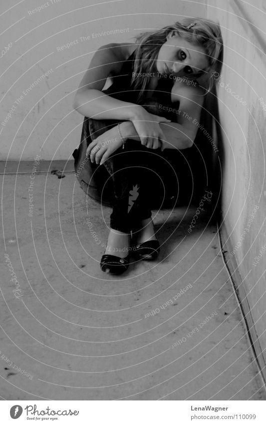 forsake sb./sth. Woman Distress Hand Grief deaf Corner Black & white photo Cable black