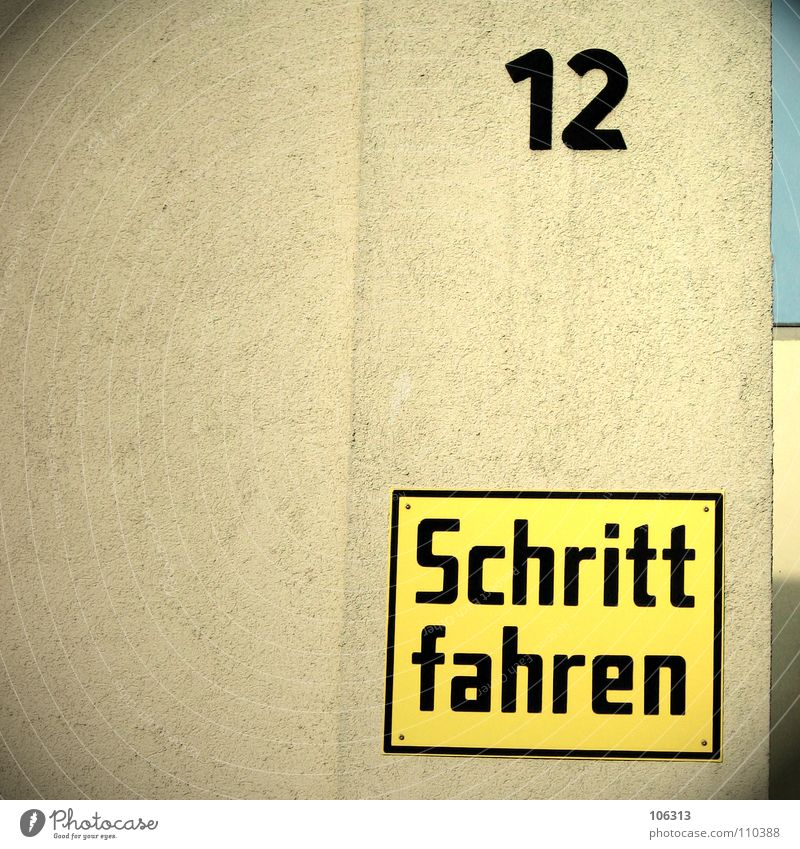 House (Residential Structure) Yellow Wall (building) Wall (barrier) Germany Signs and labeling Driving Letters (alphabet) Signage Dresden Plaster Obscure