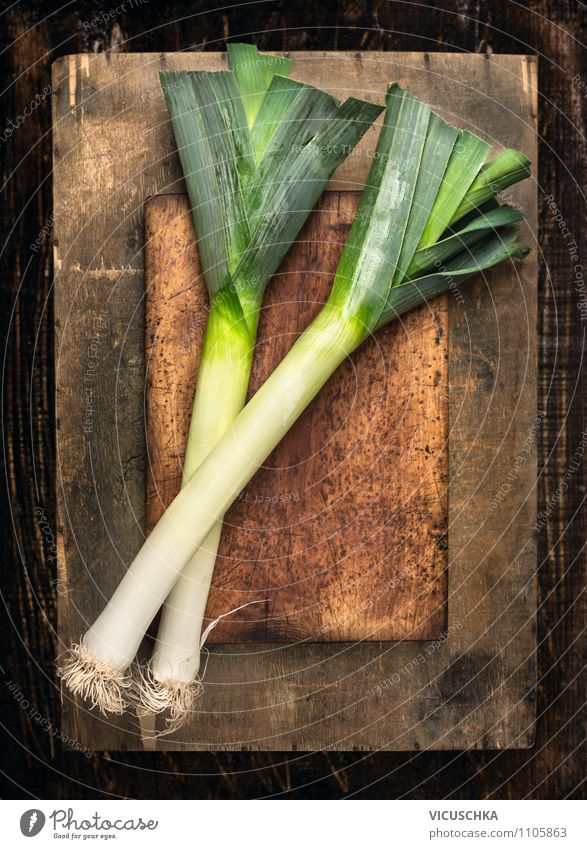 Fresh leek on an old wooden table Food Vegetable Herbs and spices Nutrition Lunch Organic produce Vegetarian diet Diet Style Design Healthy Eating Life Garden
