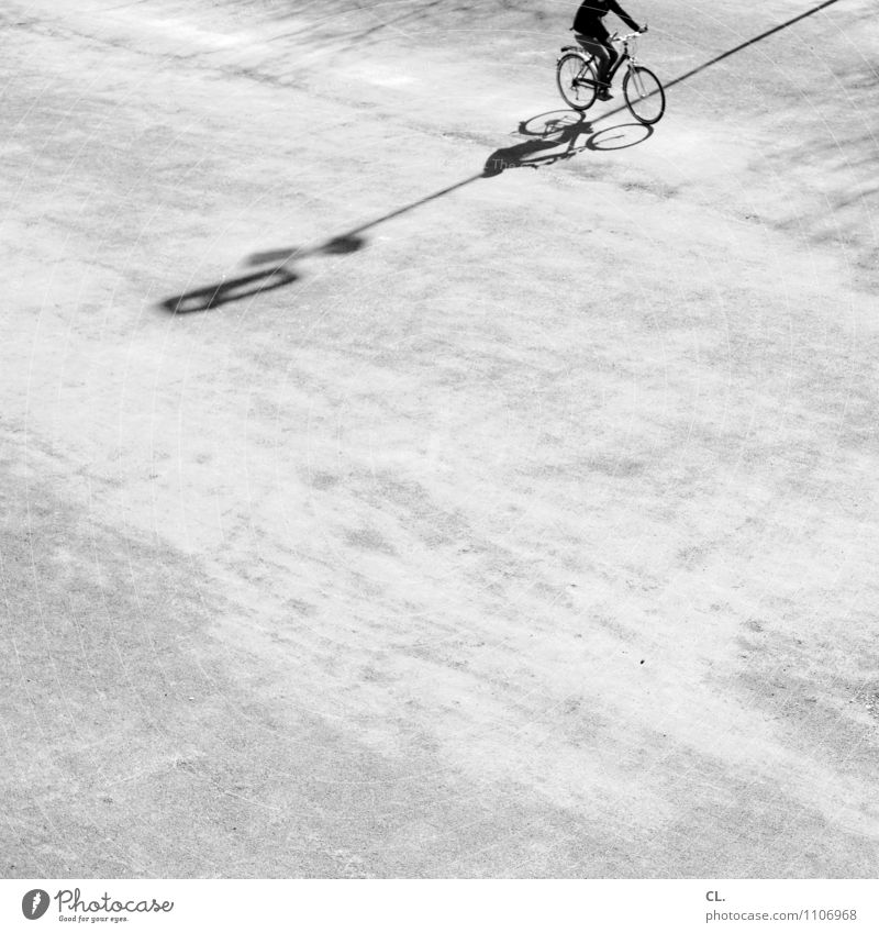 Human being Adults Life Movement Lanes & trails Sports Healthy Leisure and hobbies Transport Bicycle Beautiful weather Cycling Driving Target Athletic