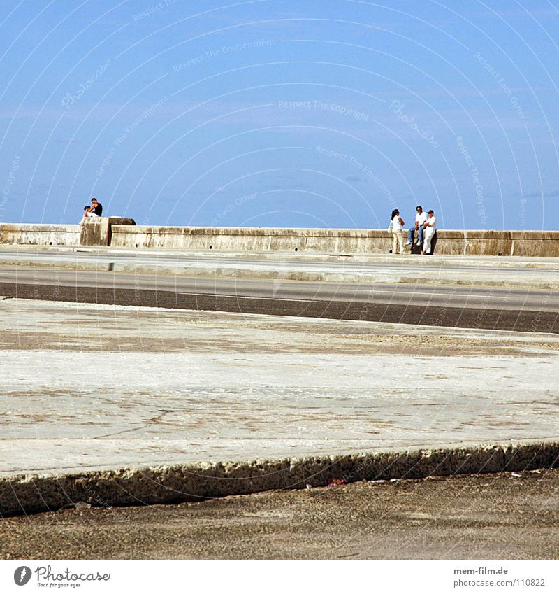 Beach Joy Relaxation Street Playing Coast Group Wall (barrier) Leisure and hobbies Concrete Poverty Gloomy Monument Traffic infrastructure
