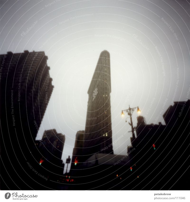 Rain Architecture New York City Manhattan Electric iron 5th Avenue Flatiron Building