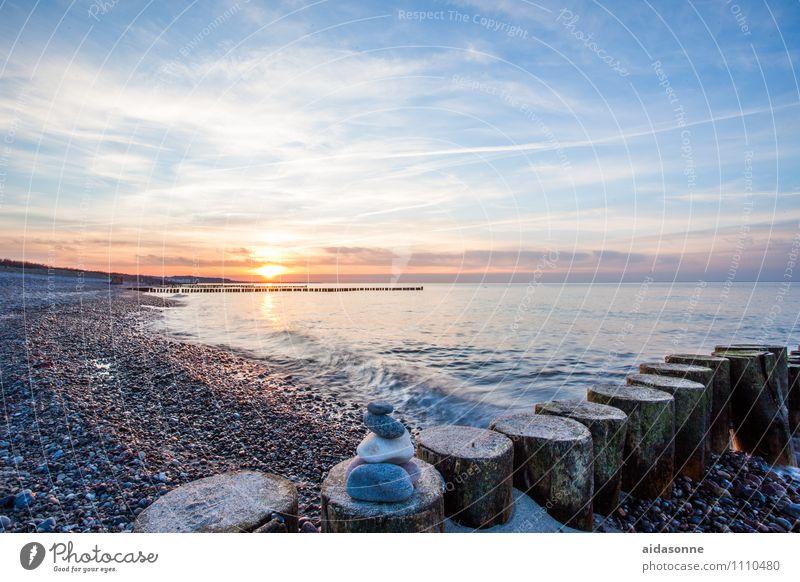 Water Loneliness Landscape Calm Beach Horizon Waves Beautiful weather Romance Baltic Sea Wanderlust Attentive
