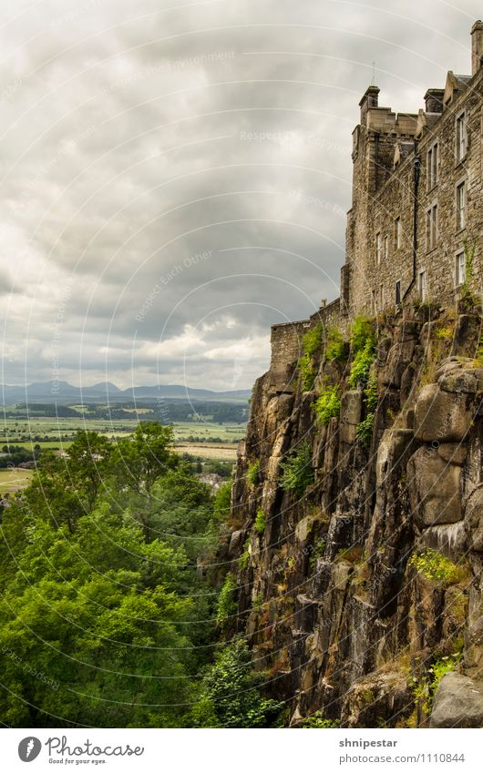 Stirling Castle Vacation & Travel Tourism Trip Sightseeing City trip Summer vacation Environment Landscape Elements Clouds Climate Bad weather Rock Volcano