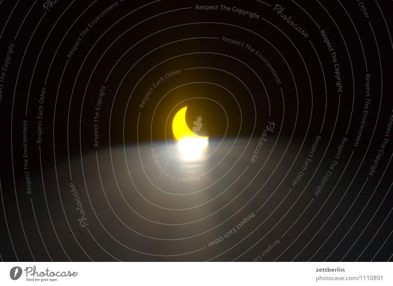 solar eclipse Solar eclipse Partial Night Moon Sun Lightning Reaction Light (Natural Phenomenon) Lighting effect Illuminate Darken Astronomy Universe Galaxy