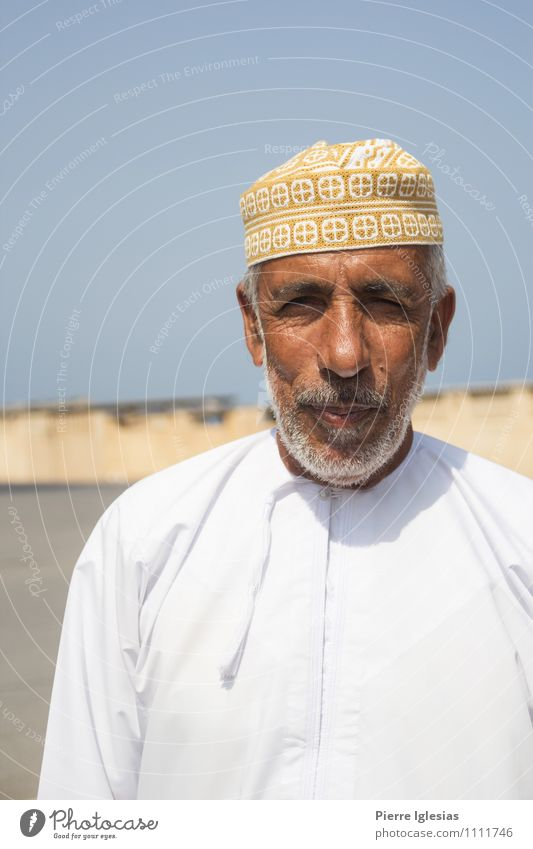 Arabs in Oman Human being Masculine Man Adults Male senior Father Grandfather Senior citizen Life 1 45 - 60 years 60 years and older Earth Sand Summer Village