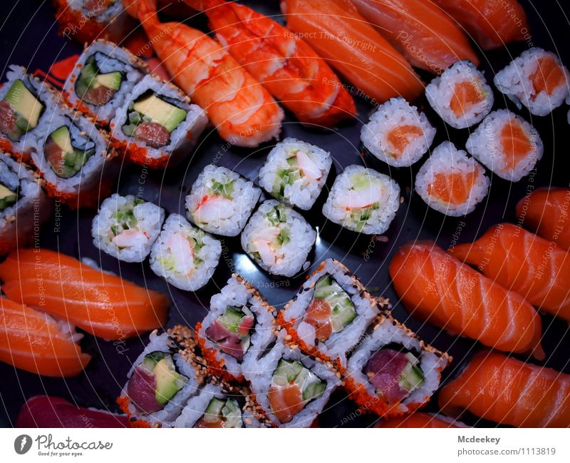 Sushi dishes Food Fish Seafood Vegetable Herbs and spices Rice Algae Nutrition Dinner Banquet Finger food Asian Food Bowl To enjoy Exceptional Fresh Healthy