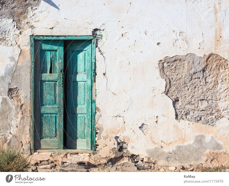 Come in... House (Residential Structure) Canaries Europe Deserted Building Architecture Facade Door Stone Wood Old Simple Historic Green White Acceptance