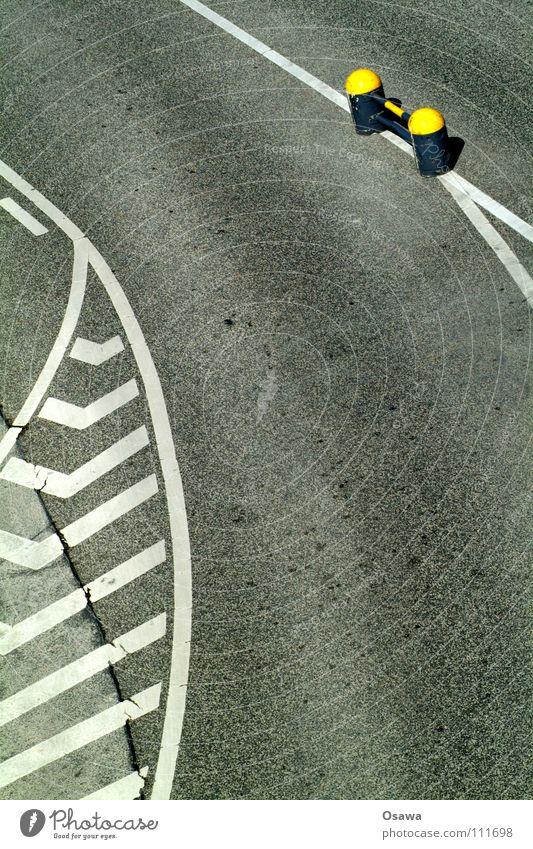 Black Street Gray Line Signs and labeling Asphalt Traffic infrastructure Curve Center line
