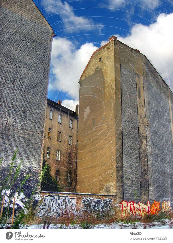 Winter Berlin Wall (building) Graffiti Backyard Friedrichshain