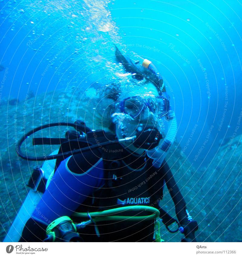 Water Ocean Blue Sports Playing Lake Air Underwater photo Mask Dive Blow Bottle Breathe Go under Thailand
