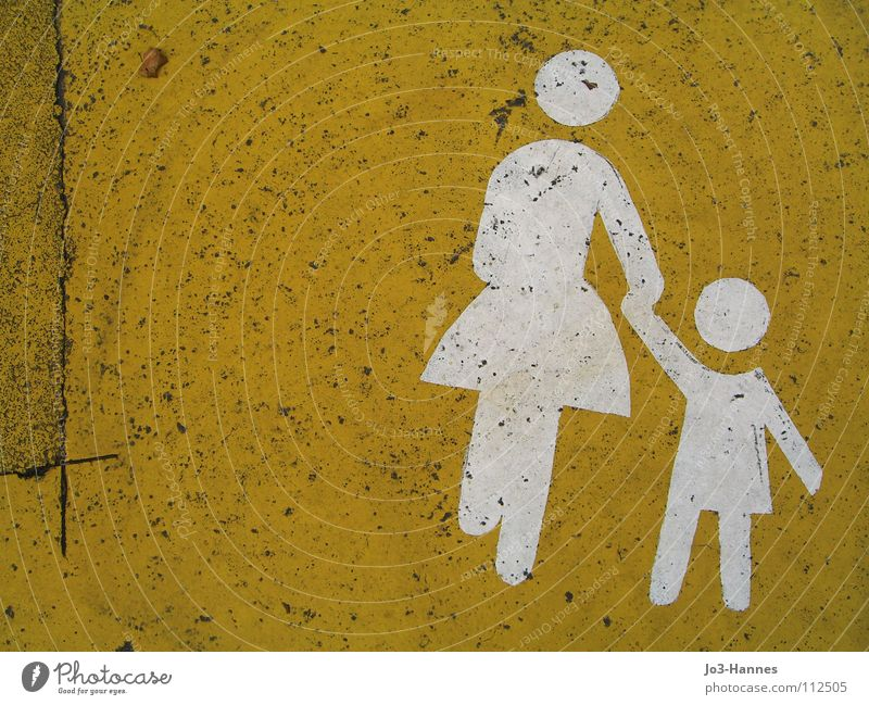 Mommy, I don't want to go to kindergarten! Mother Woman Child Family & Relations Patchwork Kindergarten Asphalt Tar Graphic Yellow White Pictogram Play street