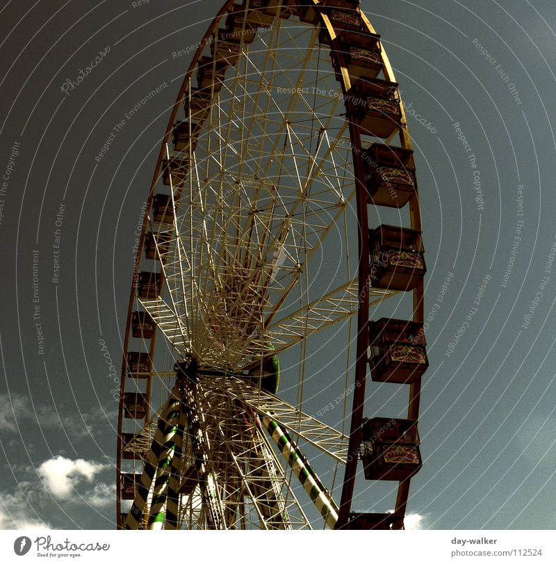Weak circulation Round Ferris wheel Large Fairs & Carnivals Grating Iron Mechanics Events Leisure and hobbies Metal Old