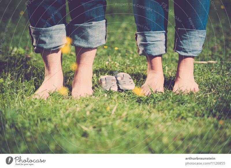 Feet & baby shoes in the meadow Happy Trip Parenting Human being Masculine Feminine Young woman Youth (Young adults) Young man Parents Adults 2 18 - 30 years