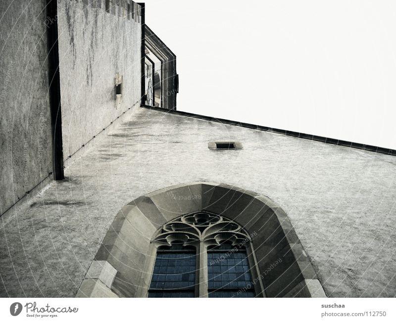 Sky House (Residential Structure) Wall (building) Window Religion and faith Upward House of worship Masonry Church window