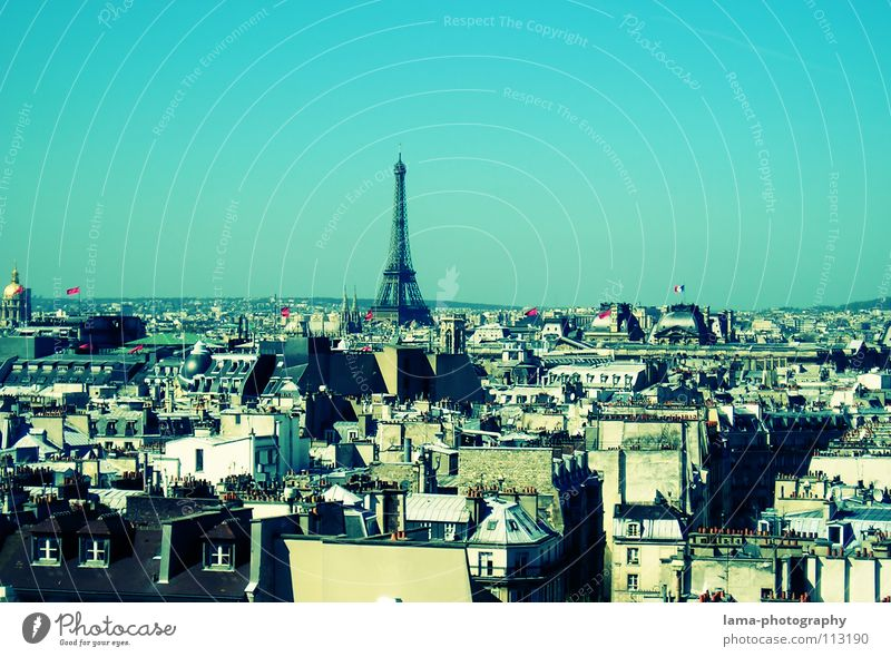 La vue d'un ramoneur Paris France Eiffel Tower Art Manmade structures House (Residential Structure) Town Roof Smog Exhaust gas Environmental pollution