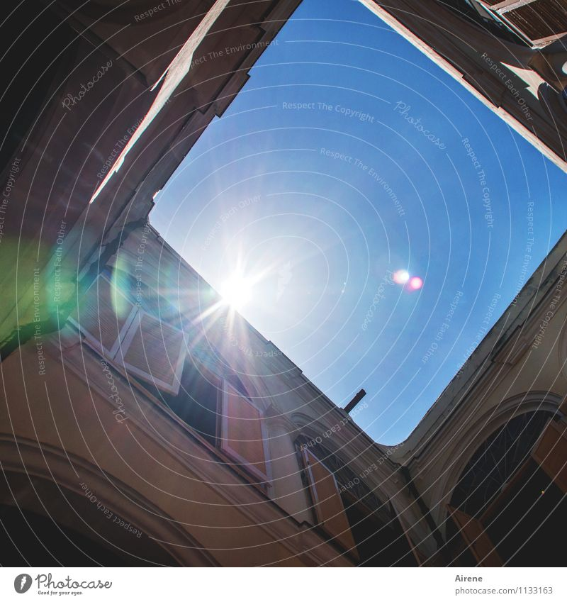deception Sky Sun Sunlight Havana Cuba Americas Palace Castle Manmade structures Building Architecture old town house Interior courtyard Facade Colonial style
