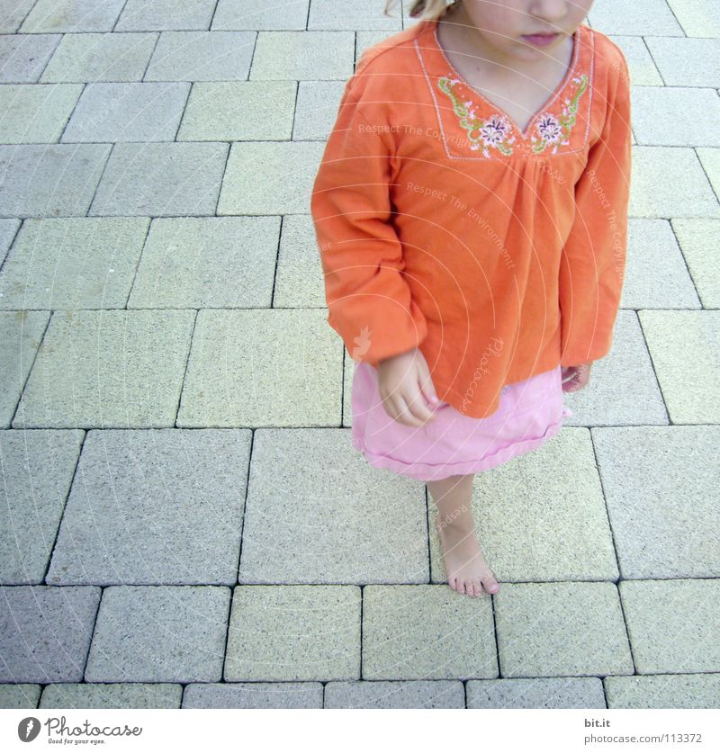 girl Chin Child Barefoot Pink Concrete Square Summer Stand Swimming pool Vacation & Travel Physics Discover Recommendation Perplexed Helpless Responsibility