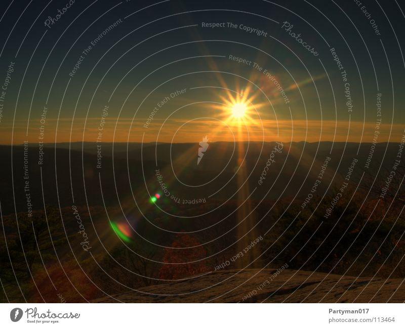 Sun Summer Yellow Autumn Freedom Bright Horizon Fog Beginning USA Americas Radiation Illuminate HDR Lens flare New York