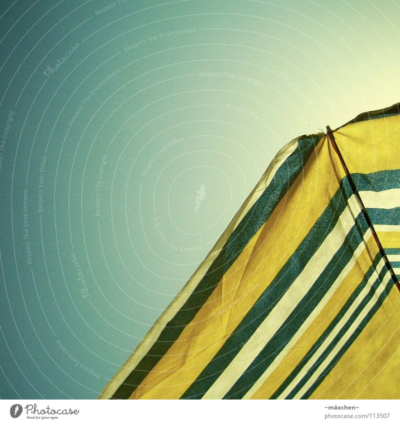 Sky White Blue Summer Beach Vacation & Travel Yellow Relaxation Warmth Ice Physics Sunshade To enjoy Sunbathing Express train